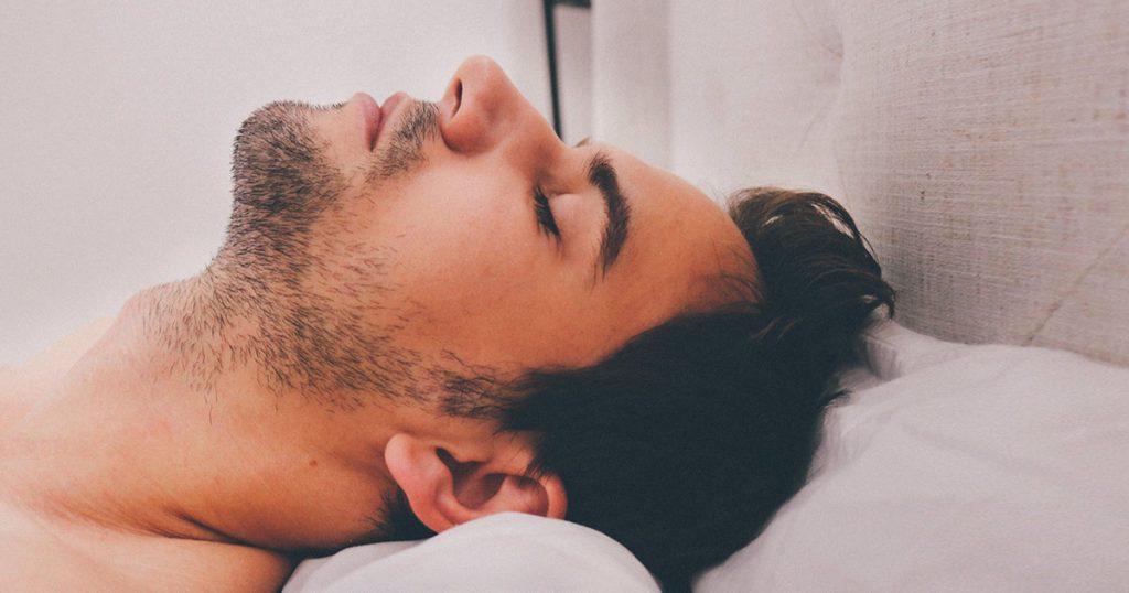 セックス 眠い 男性の場合:セックスで射精後は、思考が停止し、プロラクチンが眠気を呼ぶ