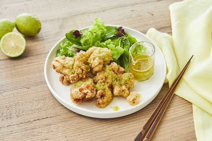 グリーンレモンソース活用レシピ:グリーンレモン風味の鶏のから揚げグリーンレモンソースで
